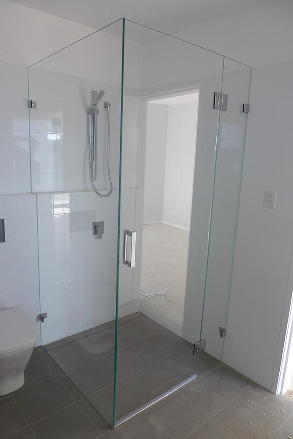 glass shower screens wahroonga