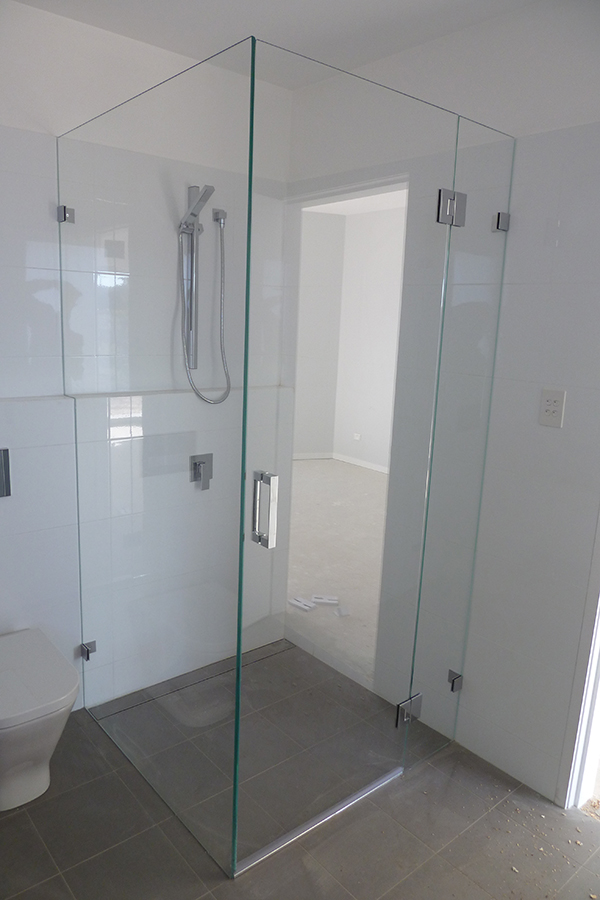 glass shower screens wahroonga